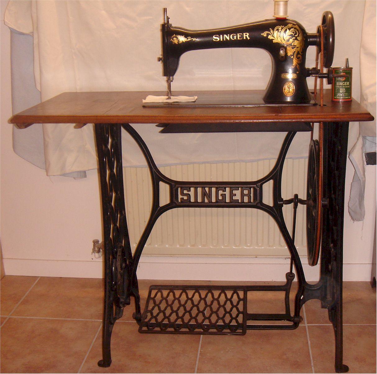 Table A Machine A Coudre machine coudre singer classe 16